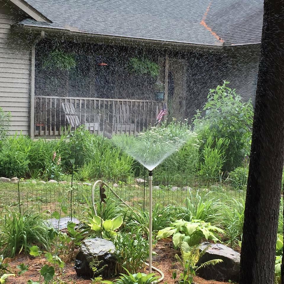 "SPRINKLER 2' 3' tall adjustable Garden Sprinkler LIKE RAIN"""